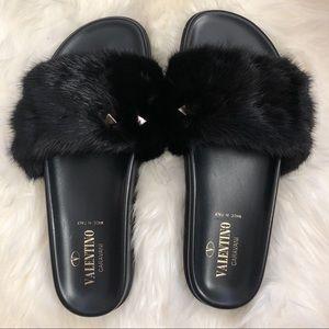 🖤SOLD🖤Valentino Garavani fur sandals 36.5